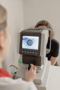 Consult oftalmologic, tensiune oculara, oftalmologie, oftalmolog