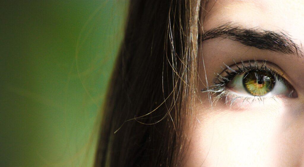 ochi, oftalmolog, ochi verde
